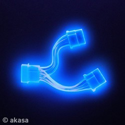 Akasa UV Blue Powersplitter